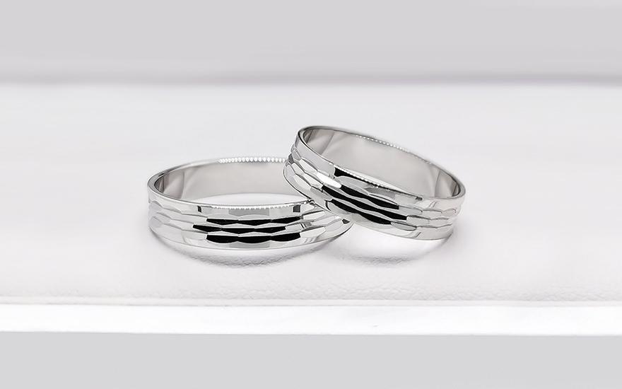Snubní prsteny bílé s gravírem šířka 4 mm CSOB212A