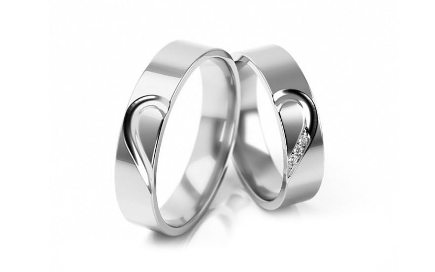 Snubni Prsteny Z Bileho Zlata Se Srdcem A Zirkony Sirka 5 Mm