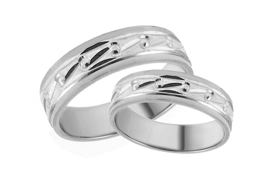 Snubní prstýnky bílé s gravírovaným vzorem šířka 5 mm IZOB667A