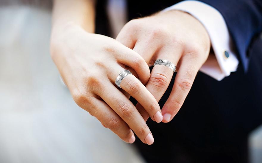 Snubní prstýnky z bílého zlata se zirkony RYOB166
