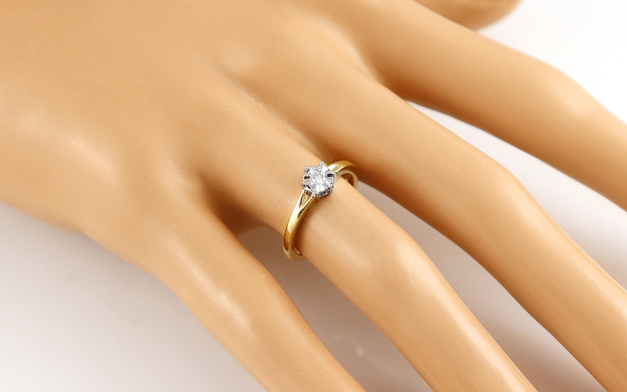 Zásnubní prsten s diamantem 0,060 ct In Love K9U04