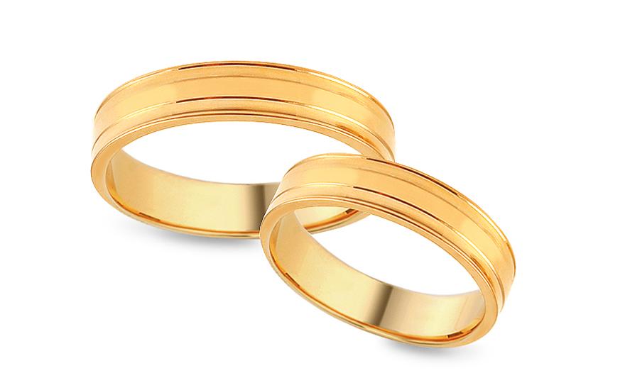 Zlaté snubní prstýnky s ozdobnými drážkami, šířka 4 mm IZOB411