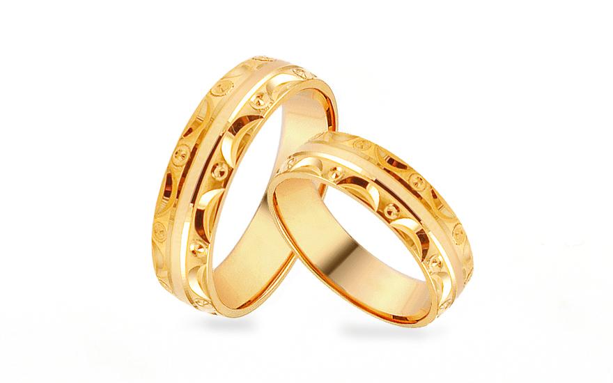 Zlaté snubní prstýnky se vzorem, šířka 5 mm IZOB449