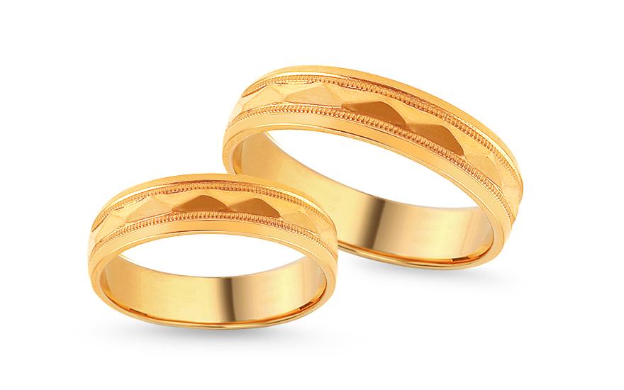 Zlaté zásnubní prsteny s gravírováním, šířka 5 mm IZOB117