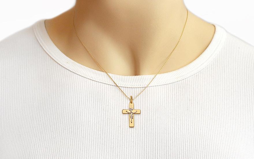 Zlatý přívěsek kříž s umučením IZ4607